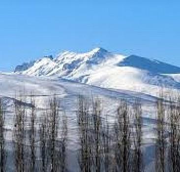 Ağrı Dağı ve Aras Dağları beyaza büründü