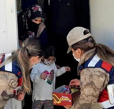 Elazığ'da jandarmadan depremzede çocuklara psikososyal destek