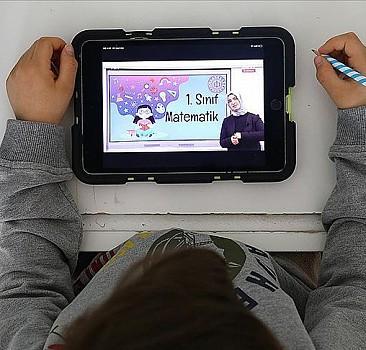 ASO'dan uzaktan eğitime tablet bilgisayar desteği