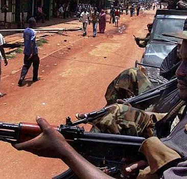 Orta Afrika'da 30 isyancı öldürüldü