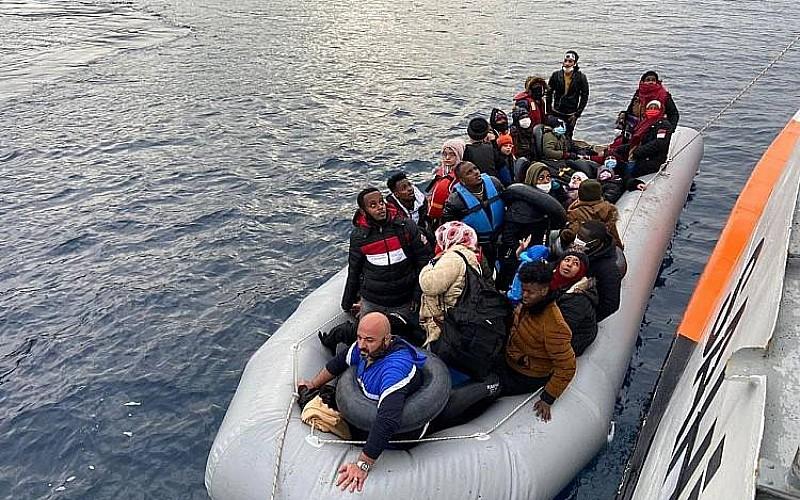 Yunanistan'ın ölüme terk ettiği sığınmacılar kurtarıldı
