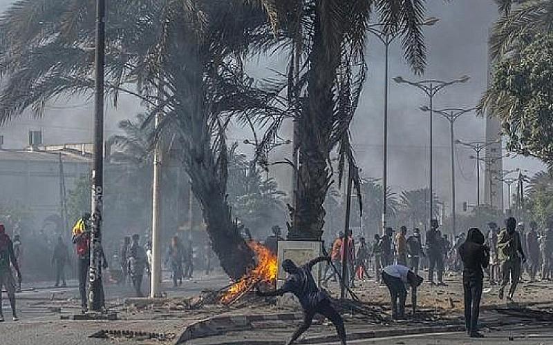Ülkede şiddetli günler! Sokağa çıkma yasağı ilan edildi