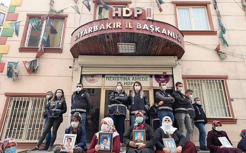 Diyarbakır anneleri evlatlarına seslendi: Teslim olun