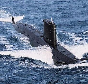"""ABD, """"Avustralya ile nükleer denizaltı anlaşması"""" konusunda Fransa ile tansiyonu düşürmeye çalışıyor"""