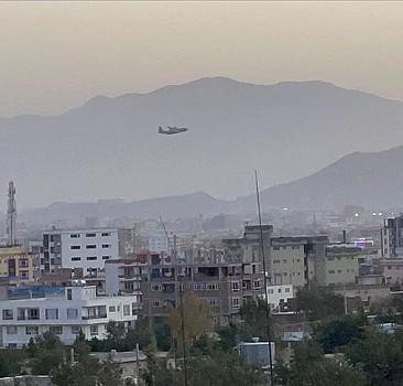 Kabil'de havalimanındaki terör saldırılarında en az 110 kişi hayatını kaybetti
