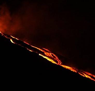 Yanardağ patladı, aylar sürecek insani kriz çıktı!