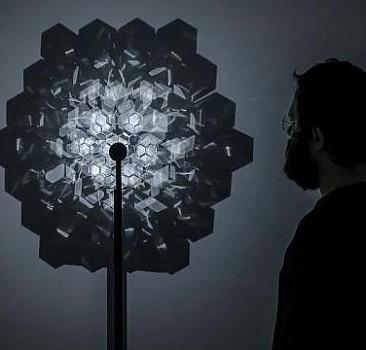 Dijital ve fiziksel gerçeklik arasında sanatla köprü kuruyor