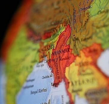 Myanmar'da bu kez de askeri uçak düştü