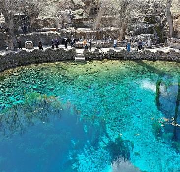 """Sivas'ın """"doğal akvaryumu"""" Gökpınar Gölü sonbahar renklerine büründü"""