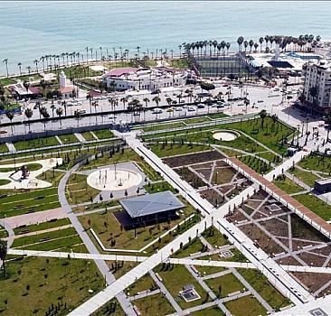 Mersin'in deniz manzaralı Millet Bahçesi açılış için gün sayıyor