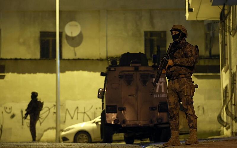 İstanbul'da aranan kişilere yönelik operasyonda 24 kişi yakalandı