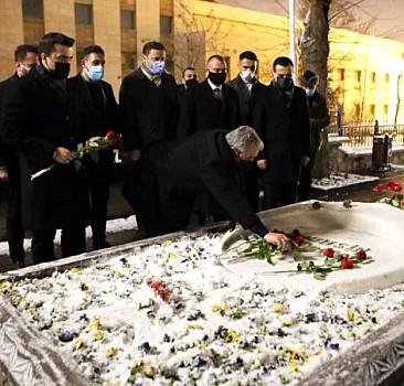 Destici, Yazıcıoğlu'nun kabrini ziyaret etti