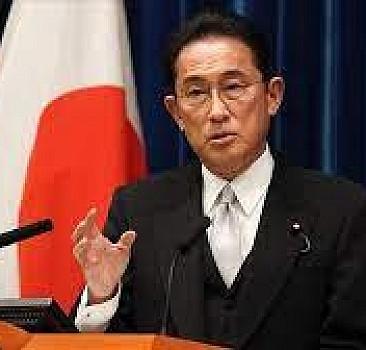 Japonya Başbaakanı Kişida, İngiliz mevkidaşı Johnson ile telefonda görüştü
