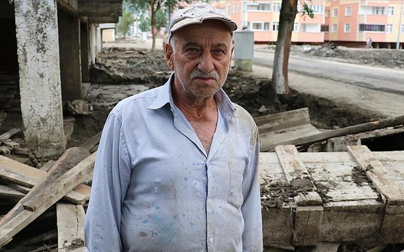 Bozkurt'taki sel felaketinde 4 yakınını kaybeden Öztürk: Ormanlardan görülmedik bir su geldi