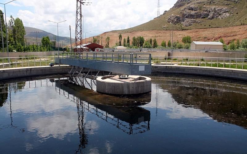 Bayburt'ta günlük 7 bin metreküp nehir suyunu temizleyen tesis çiftçinin yüzünü güldürdü