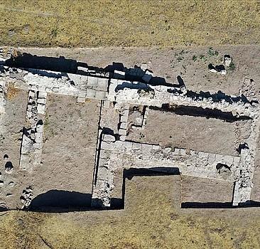 'Eski Ahlat Şehri' kazılarında 5 bin yıllık höyük tespit edildi