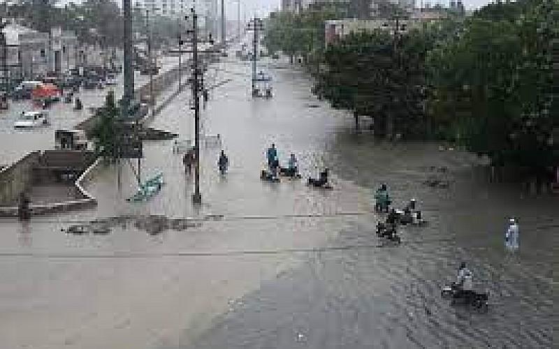 Tacikistan'da sel felaketi 7 can aldı