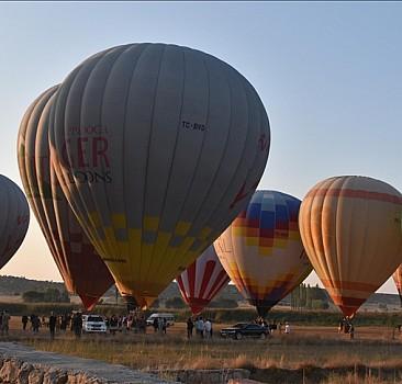 Sıcak hava balonları Büyük Taarruz'un 99. yıl dönümü için havalandı