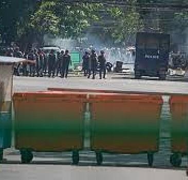 Myanmar'da darbeye karşı protestolar, güvenlik güçlerinin sert müdahalesine rağmen sürüyor
