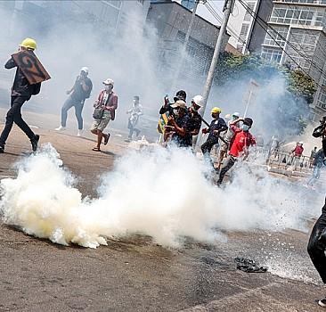 Protestoculara silahlı müdahaleyi 'ulusal ayıp' saydılar