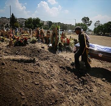 Meksika'da Kovid-19 nedeniyle ölenlerin sayısı 270 bini aştı