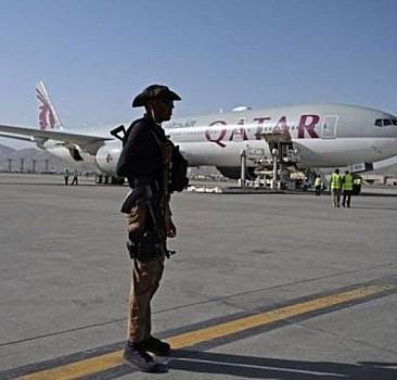 Afganistan'dan 230 kişi Katar Havayolları'na ait uçakla tahliye ediliyor