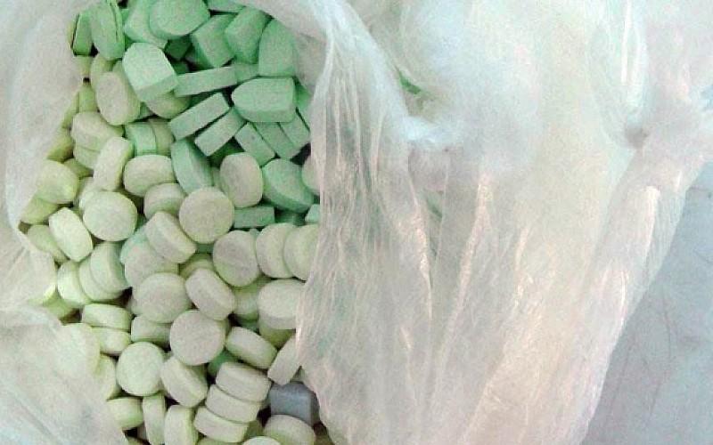 Kapıkule'de bir tırda 208 bin 872 uyuşturucu hap ele geçirildi