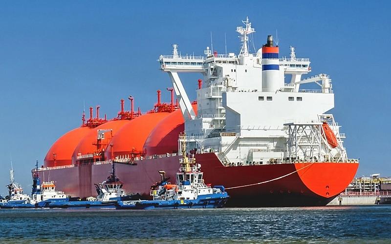 Uzmanlar Avrupa'da LNG ve boru gazı rekabetinin süreceğini öngörüyor