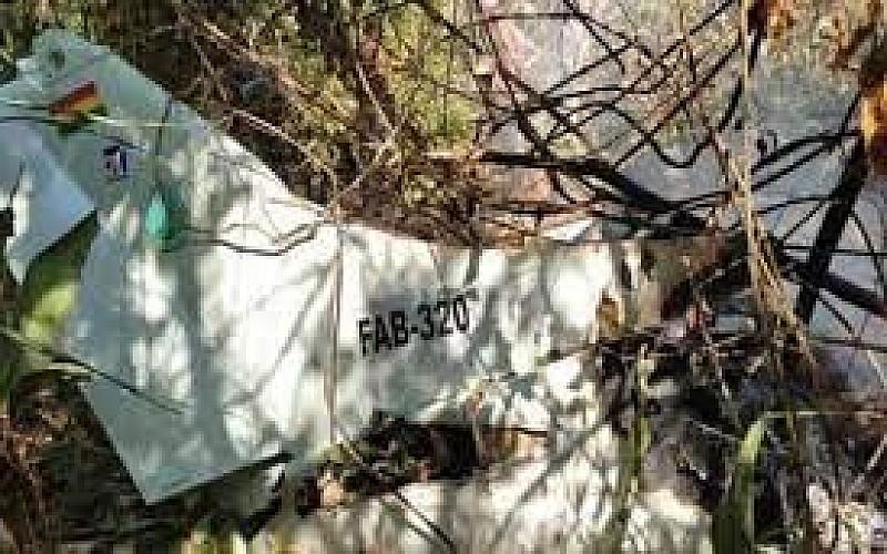 Bolivya'da düşen askeri uçakta 6 kişi öldü