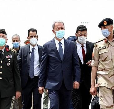 Milli Savunma Bakanı Akar, Libya'daki Mehmetçik ile bir araya geldi: