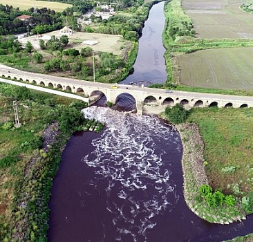 Ergene Nehri can çekişiyor