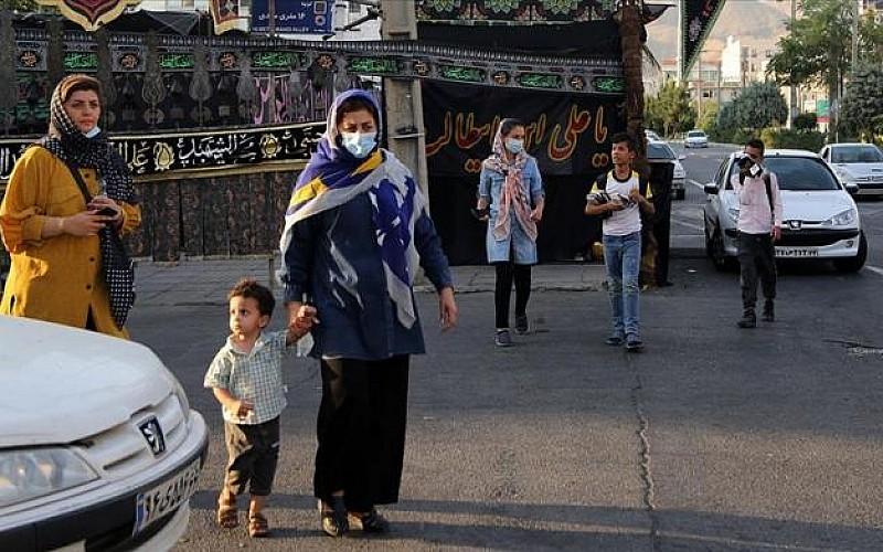 İran'da son 24 saatte Kovid-19 nedeniyle 194 kişi hayatını kaybetti