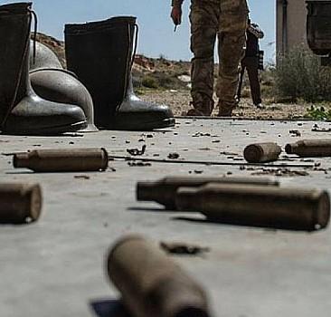 Batının piyonları birbirine düştü: Milisler çatıştı