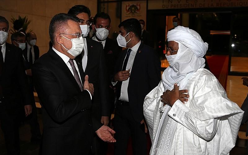 Cumhurbaşkanı Yardımcısı Oktay Nijer'de