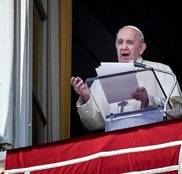 Papa'dan Kanada çıkışı: Acıyla takip ediyorum