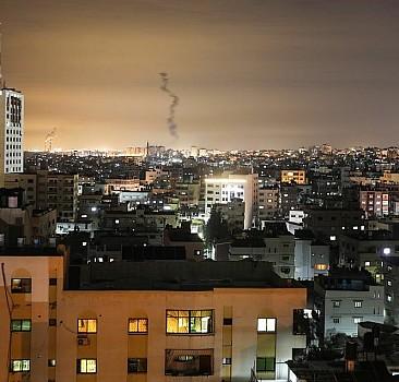 Gazze'nin roketleri İsrail'e havalimanı kapattırdı