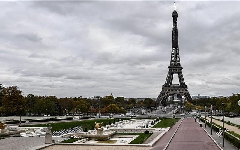 Fransa'da mahkemenin, Müslüman okul inşasını engellemek isteyen belediyeye müdahalesi tartışmaya yol açtı