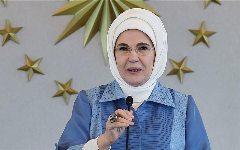 Emine Erdoğan'dan Umman Sultanının eşine mektup