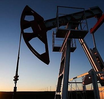 IEA: Küresel petrol talebi bu yıl günlük 5,7 milyon varil artacak