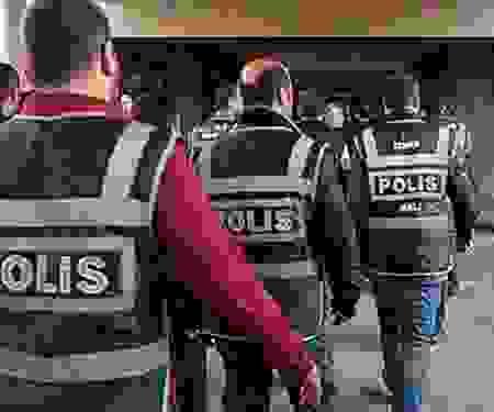 İstanbul'da FETÖ'nün mali yapılanmasına yönelik operasyonda 22 kişi yakalandı