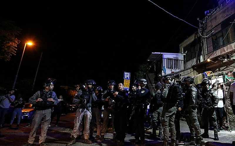 İşgalciler Şeyh Cerrah'ta Filistinliler'e karşı silah kullandı