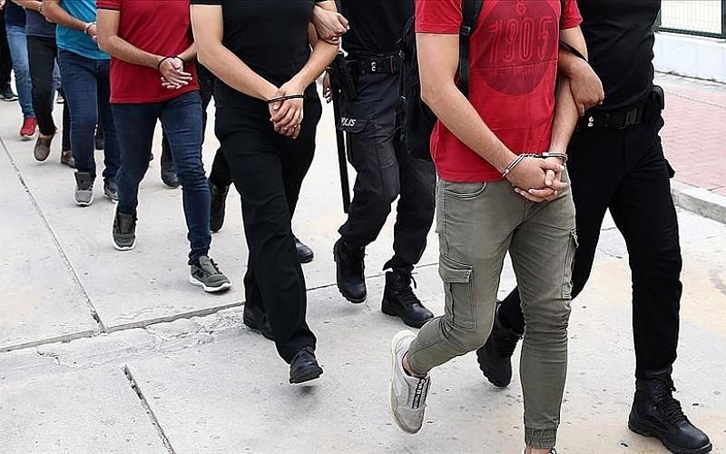 Terör propagandası iddiasıyla gözaltına alındılar