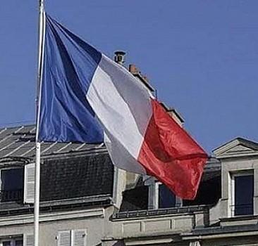 Fransa'da cumhurbaşkanı adayı Melenchon'a gazeteciye iftira gerekçesiyle para cezası
