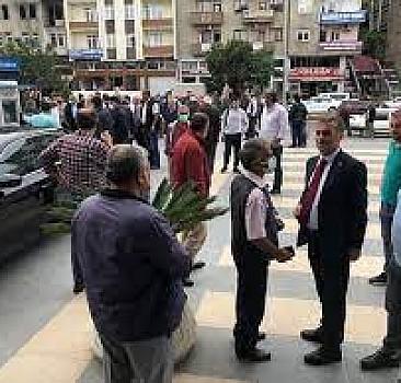 Yomra Belediye Başkanı Bıyık'a silahlı saldırı
