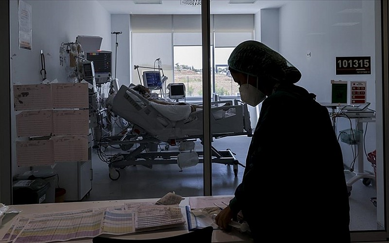 Kovid-19 aşısı olmayanların hastalanma riski 4,5, ölüm riski 11 kat yüksek