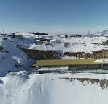 Berkur Tepe'de zorlu kış şartlarında vatan nöbeti