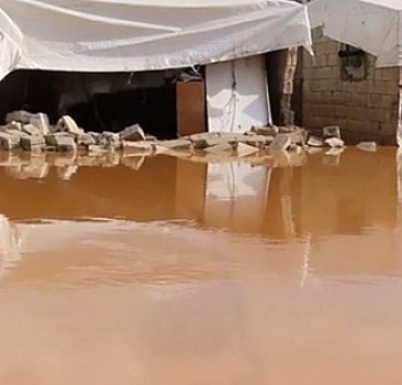 Afrin'de çadır kampı su bastı