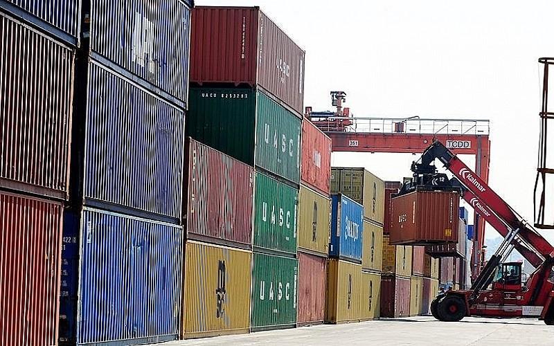 Ocakta geçen yılın aynı ayına göre ihracat arttı, ithalat azaldı