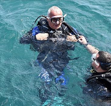 Kültür ve Turizm Bakanı Ersoy, Datça'da Osmanlı dönemi gemi batığına dalış yaptı