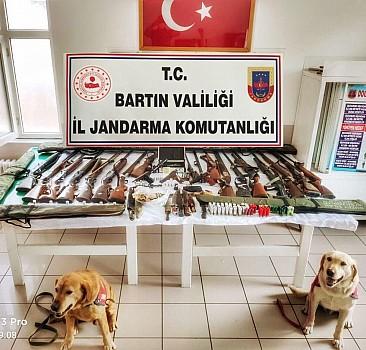 Bartın'da yasa dışı silah ticareti operasyonunda 3 şüpheli yakalandı